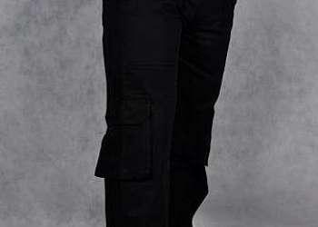 Calças brim uniformes