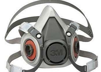 Máscara respiratória com ar mandado